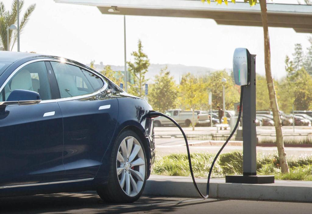 Blue-Tesla-Charging